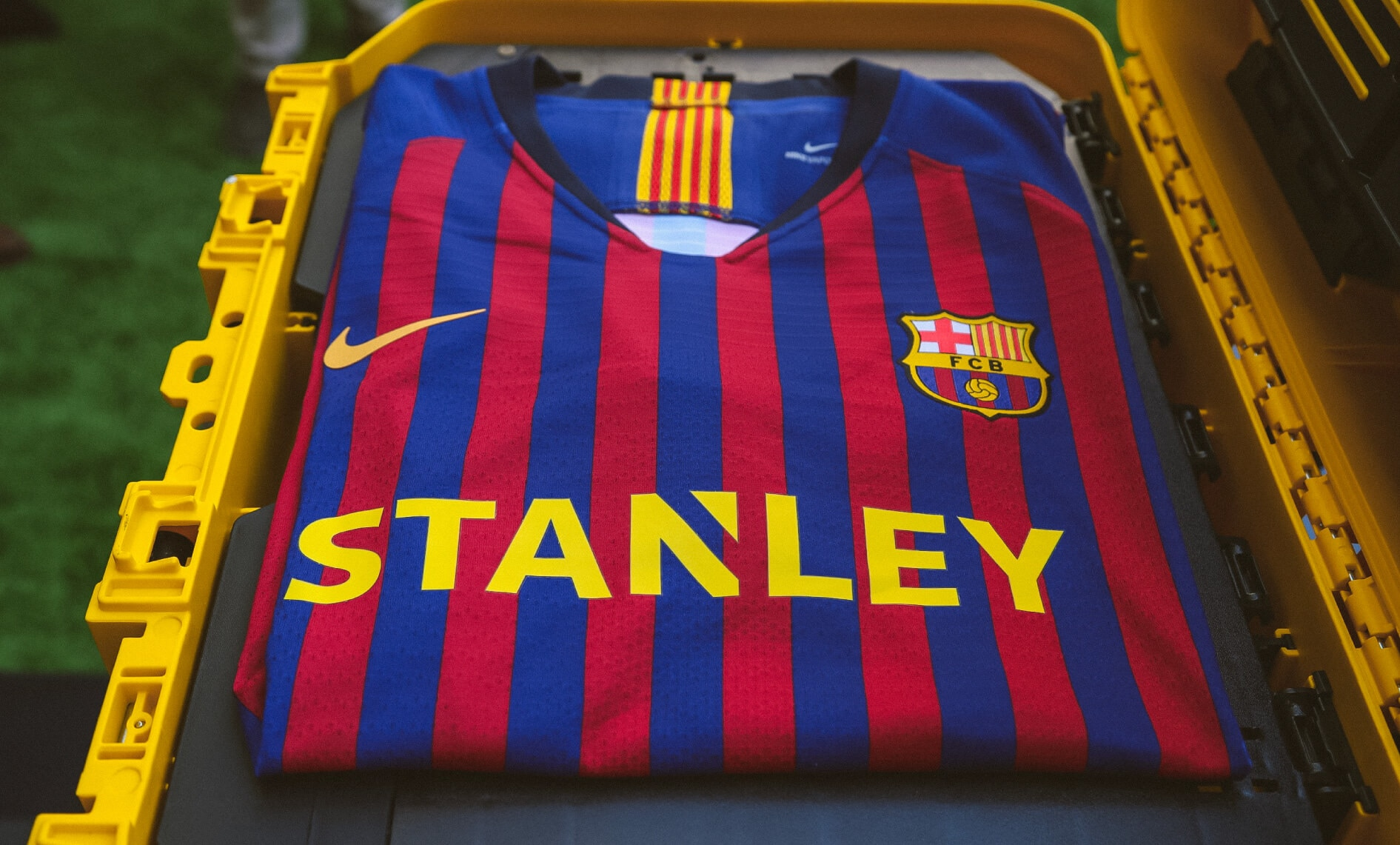 STANLEY Becomes the First Main Jersey Partner of FC Barcelona Women's Team